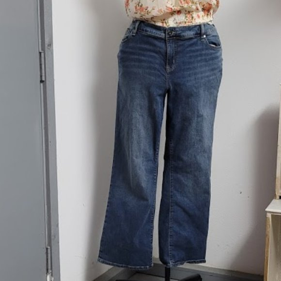 Plus Size 22 Torrid Reg Relaxed Boot Blue Jeans